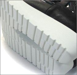 invina インビナ iv4452bl  ブラック 靴底の画像