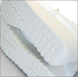invina インビナ iv4452wt  ホワイト 靴底の画像